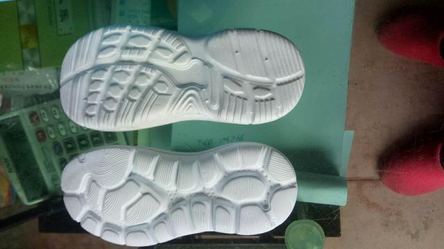 鞋底 EVA 童段 一体 26 30 EVA一次,26#,30#,这2个码段有20万现货。